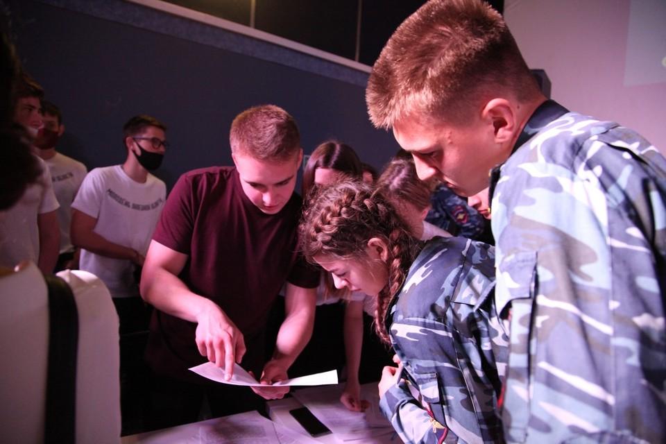 В Липецке офицеры регионального СКР познакомили школьников с секретами профессии