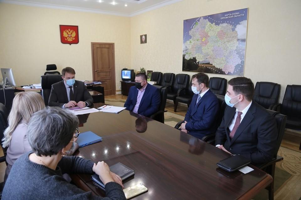 В Орловской области хотят построить битумный терминал в Хотынце. Фото: пресс-служба губернатора области
