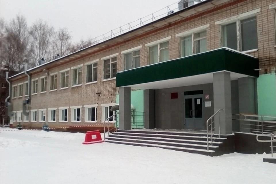 В итоге в столовой школы, где отмывали котлетки, установили четыре камеры и обновили состав работников. Фото: vk.com/kirovreg43