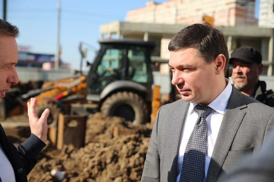 Ход работ 23 апреля оценил мэр города Евгений Первышов