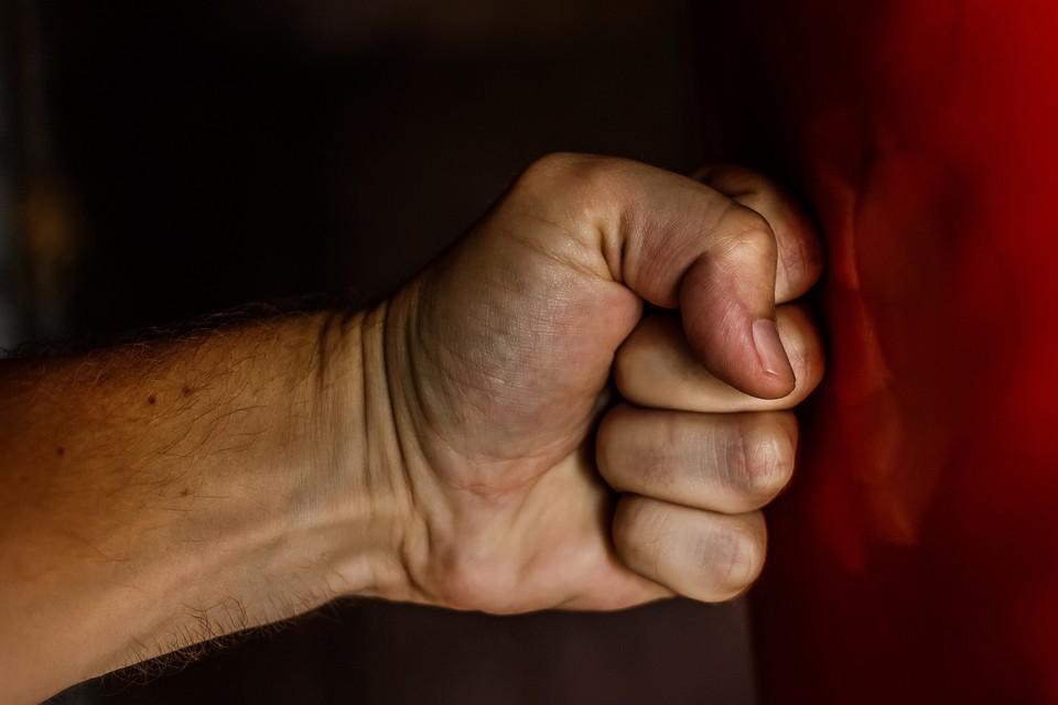 Житель Удмуртии избил свою знакомую и вымогал у нее 40 тысяч рублей