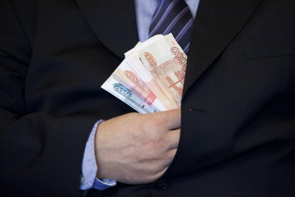 За подлог документов казахстанец предложил таможеннику всего 15 тысяч.