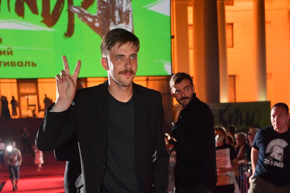 25-летний Антипов сообщил, что его избил известный актер Александр Паль - звезда фильма «Горько!».