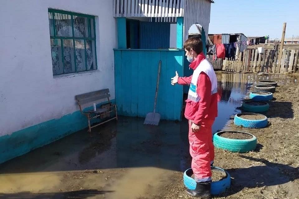 Благодаря проекту Красного Полумесяца Казахстана под названием «Карта помощи» 200 жителей Карасуского района получили финансовую помощь на сумму 10 млн. тенге.