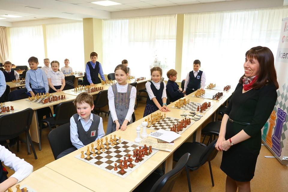 Ресурсные центры развития шахматного спорта в Ижевске посетили федеральные СМИ и представители Фонда Тимченко