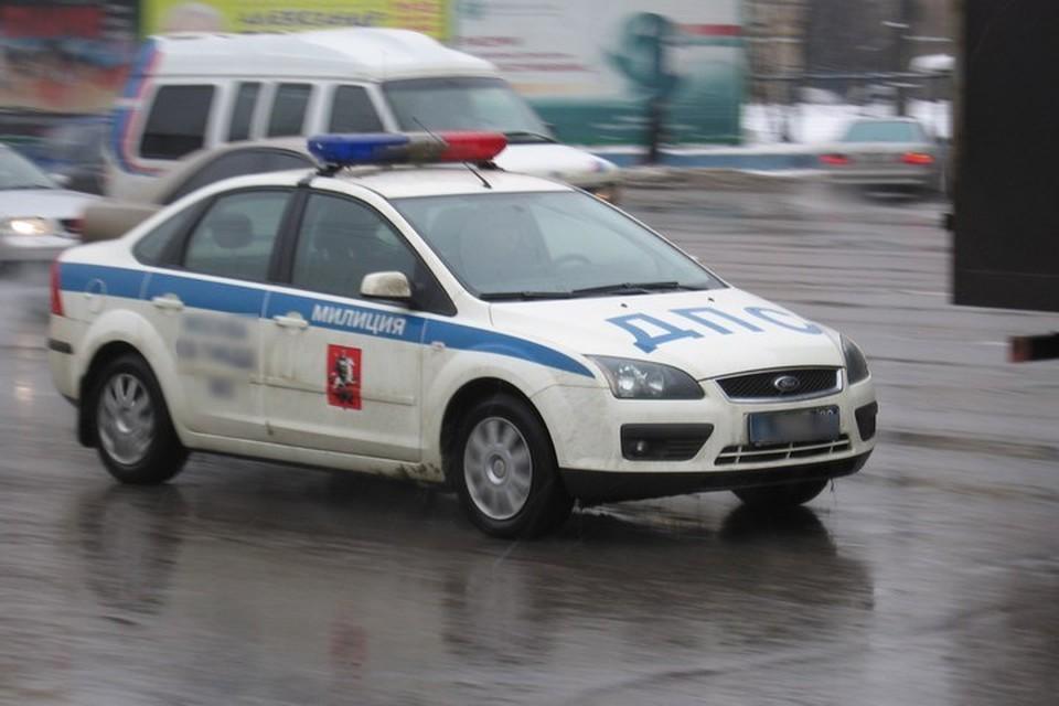 Полиция начала погоню за машиной.
