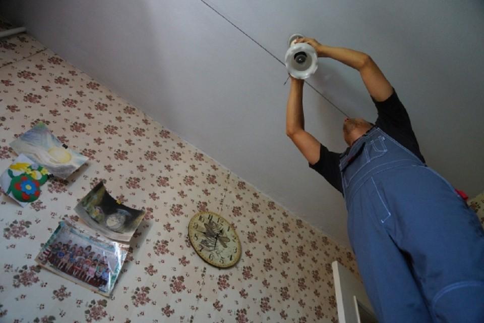 Более 600 домов остались без света в Новосибирске.