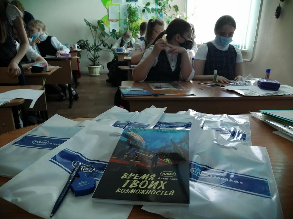 Женсовет Алтай-Кокса провел патриотическую акцию в честь Дня Победы