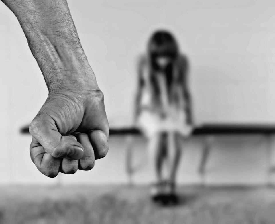 В Югре накажут наркомана-изверга, который избивал беременную жену и маленьких детей Фото: pixabay.com