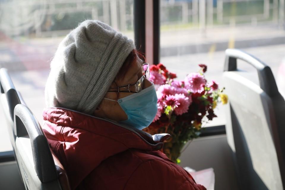 Льготный проезд для пенсионеров и предпенсионеров действует в автобусах городских, пригородных маршрутов и в электропоездах пригородного сообщения.