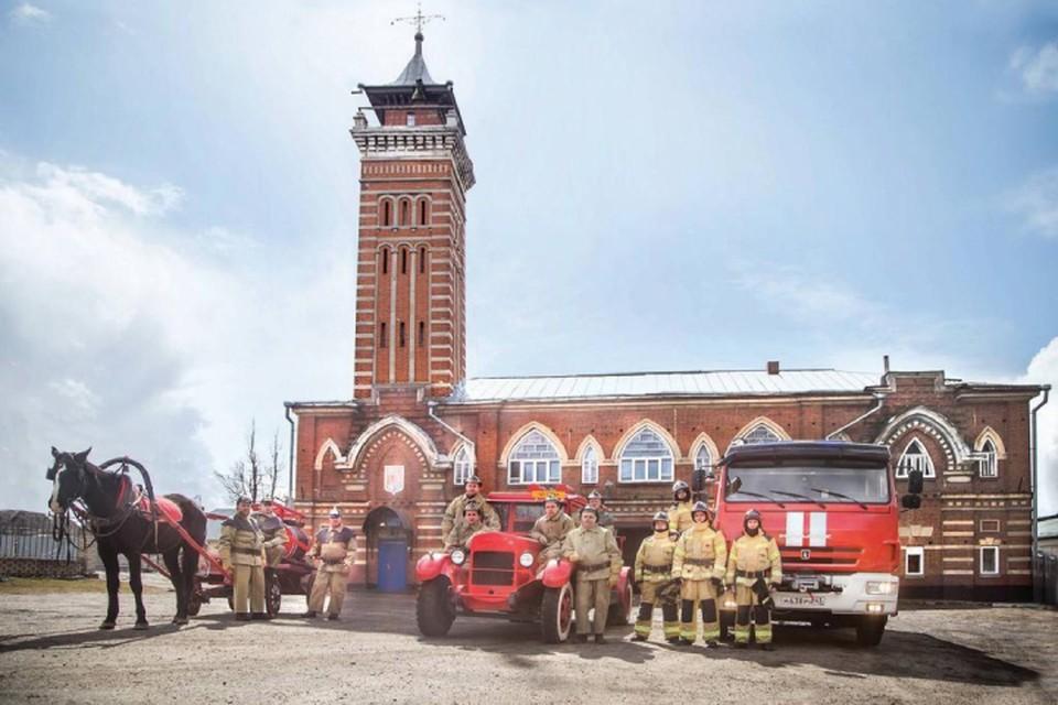За 372 года, прошедшие со дня издания Указа о создании первой российской противопожарной службы, транспорт ее сотрудников сильно изменился. Фото: ГУ МЧС по Кировской области