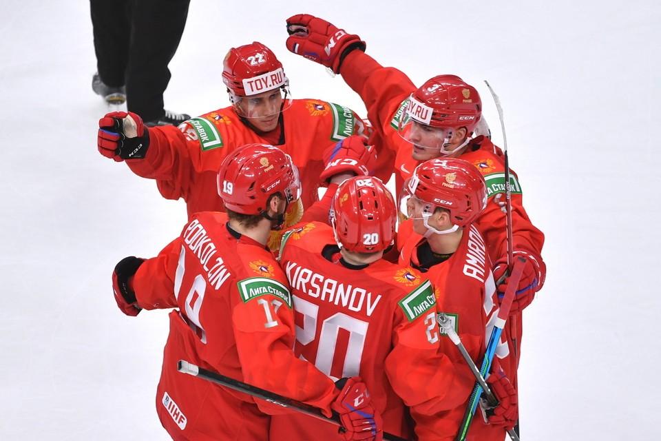 Россия победила Чехию 11:1 и теперь дальше будет играть с белорусами.