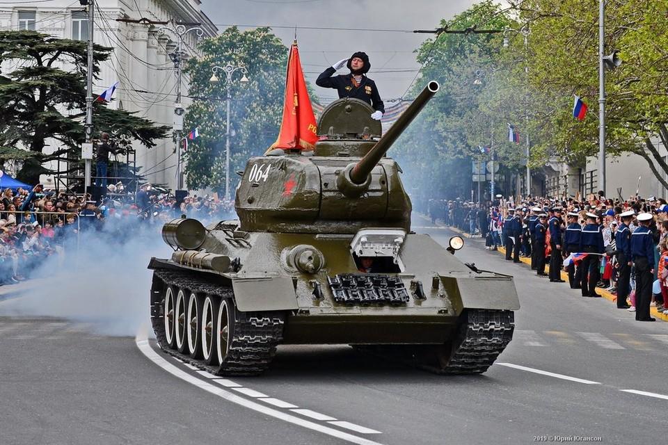 Механизированную колонну на военном параде возглавит легендарный танк Т-34