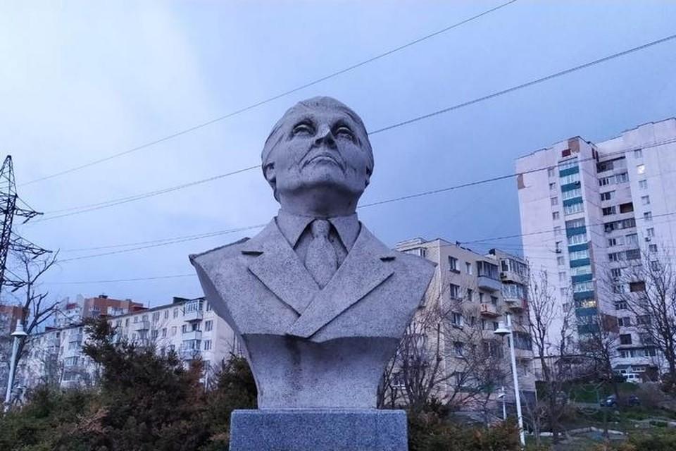 """""""Комсомолка"""" побыла на месте происшествия - памятник, действительно, поврежден."""