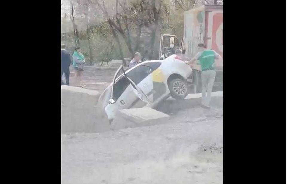 Неприятность случилась с автомобилем такси