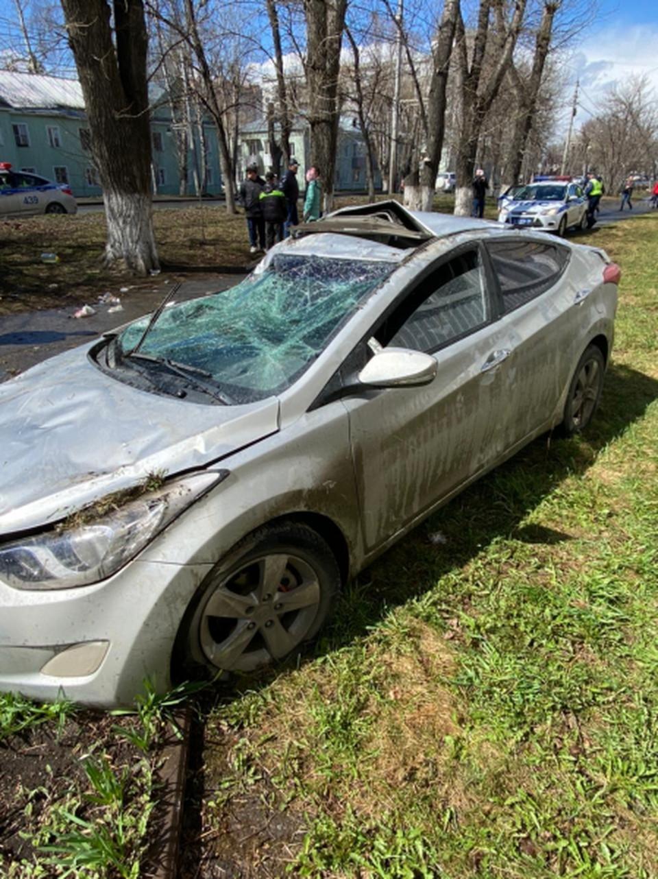 Разбившийся в Томске автомобиль владелец теперь будет долго ремонтировать. Фото: УМВД России по Томской области