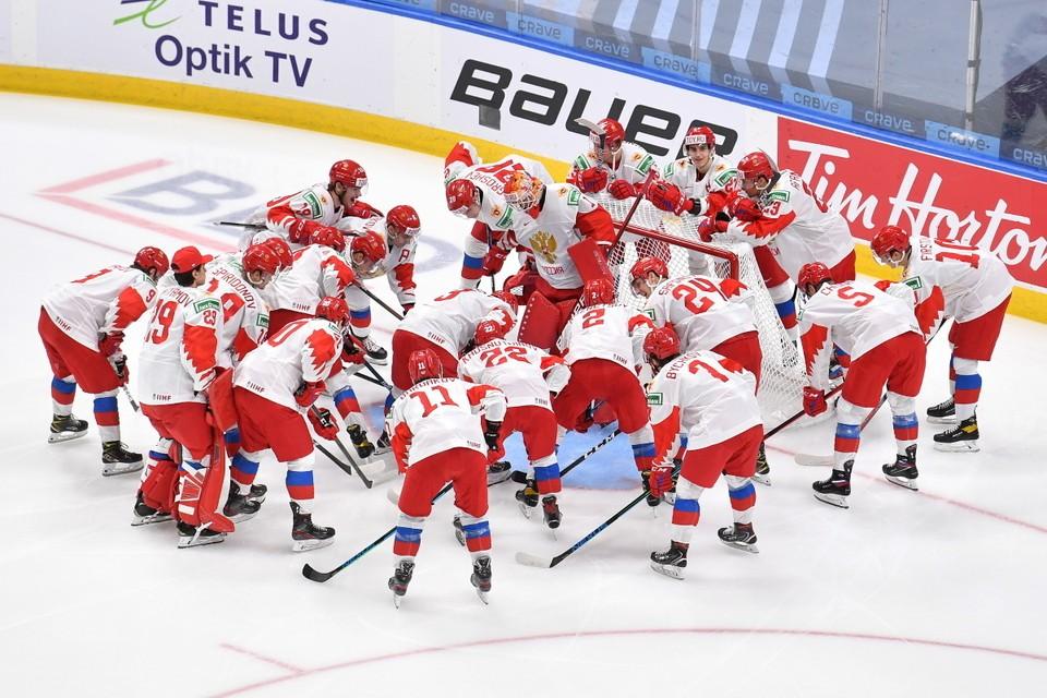 Россияне уступили канадцам 3:5.