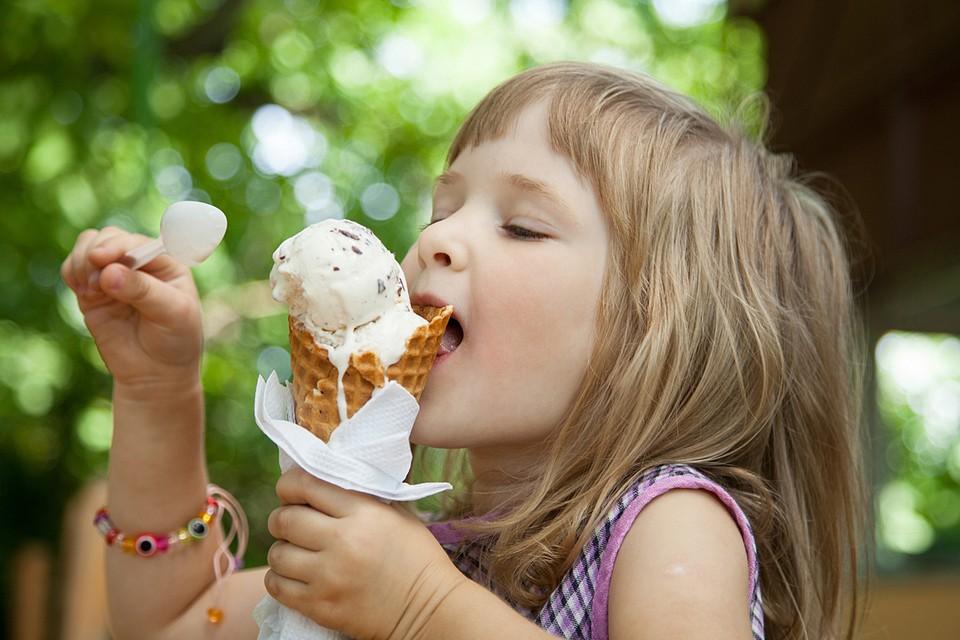 Диоксид титана применяется для «отбеливания» мороженого
