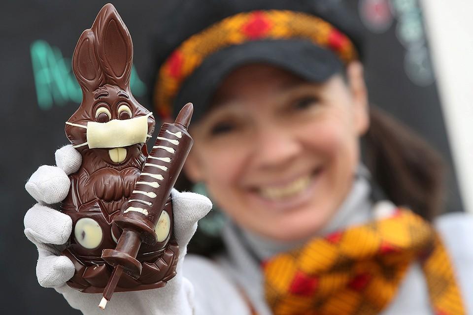 В пасхальную неделю пропаганду вакцинации вели даже шоколадные кролики.