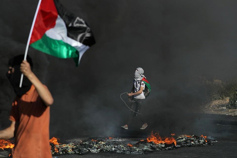 Продолжается противостояние Палестины и Израиля.