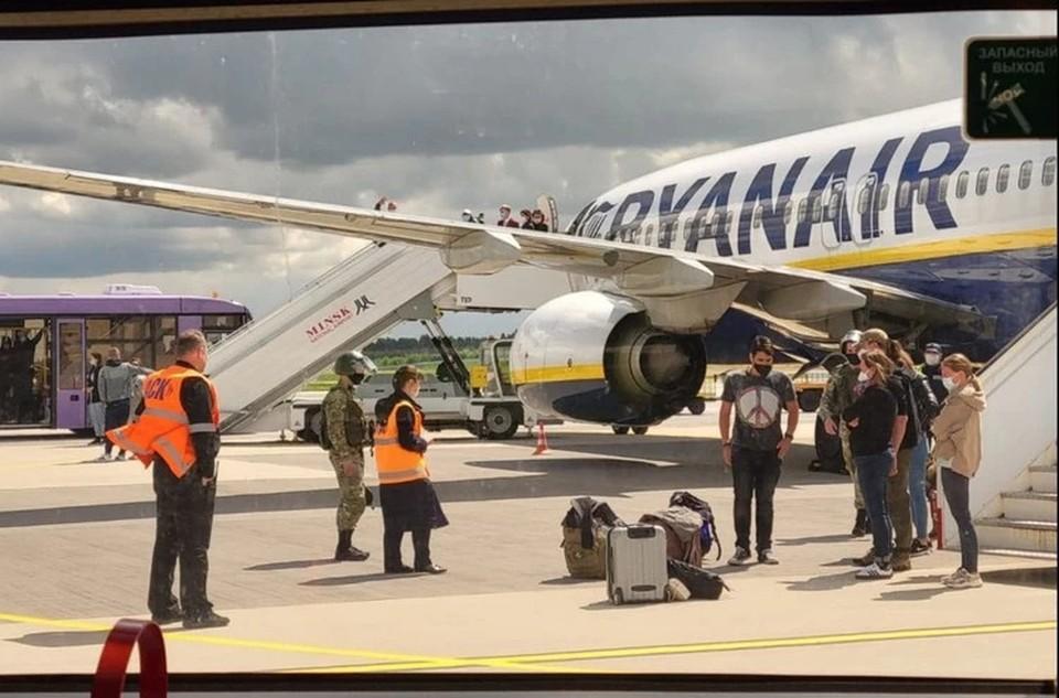 Рейс Ryanair сел в Минске после звонка о бомбе. Фото: Delfi.lt
