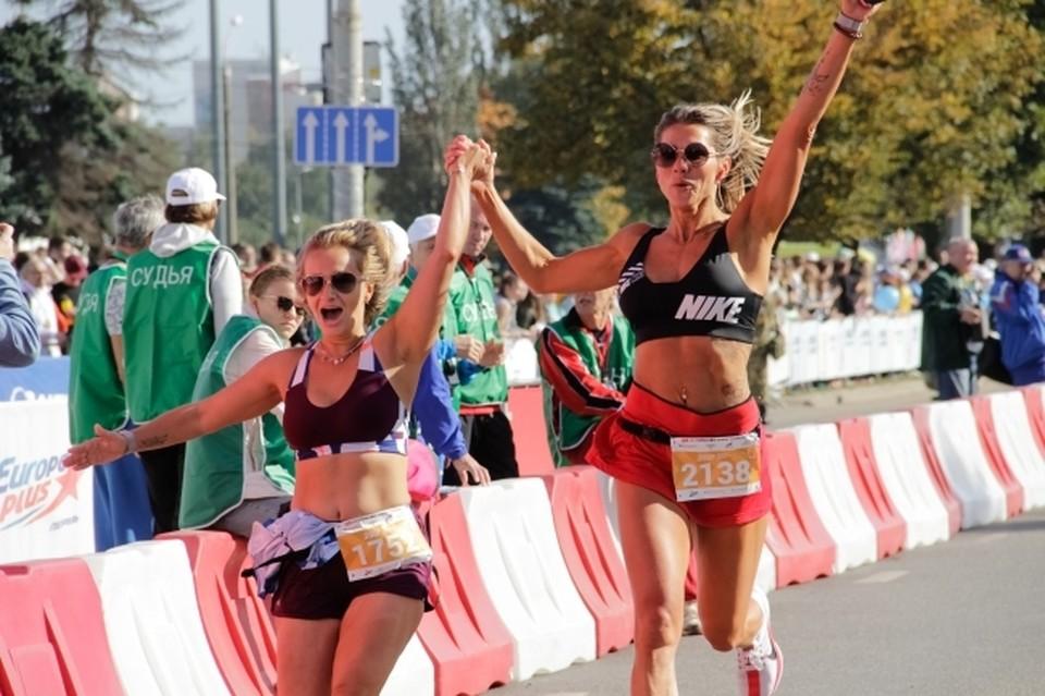 Участникам спортивного полумарафона предстоит преодолеть одну из четырех дистанций на выбор: 1, 5, 10 или 21 км