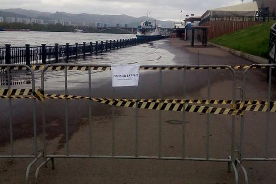 В Красноярске повысился уровень воды в Енисее еще на 10 сантиметров. Фото: пресс-служба администрации города
