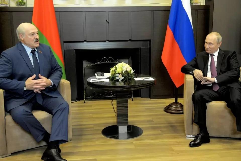 Путин и Лукашенко продолжат общение в неформальной обстановке. Фото: Михаил Климентьев/ТАСС