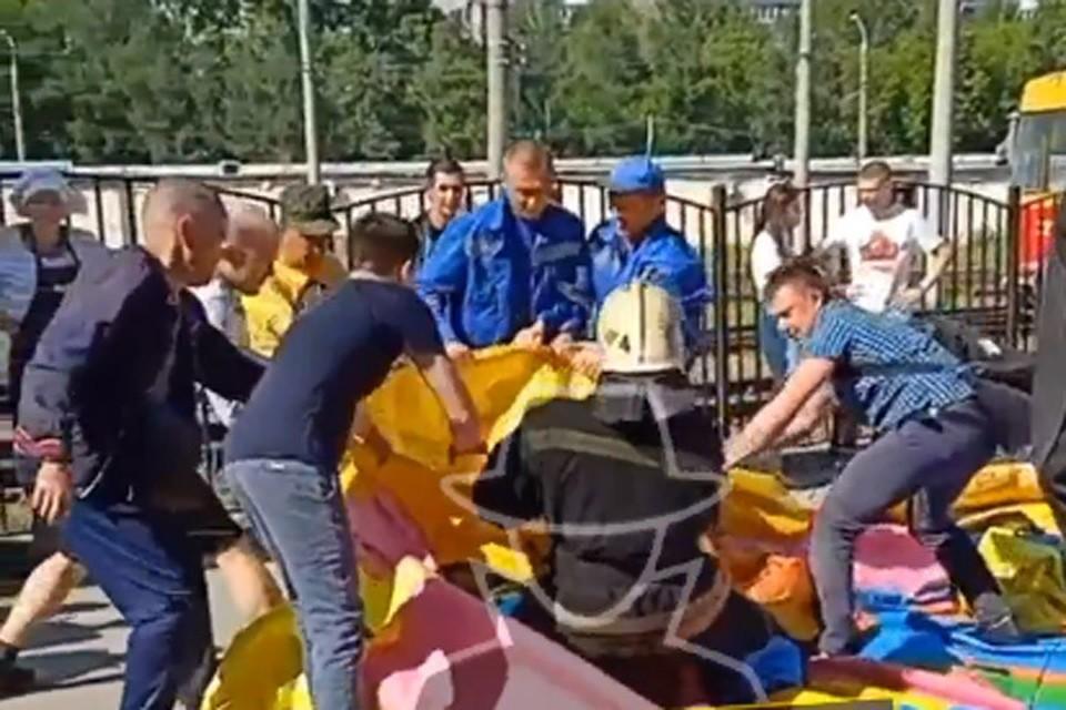"""Фото: скриншот видео """"Инцидент Барнаул"""" со страницы во """"Вконтакте"""""""
