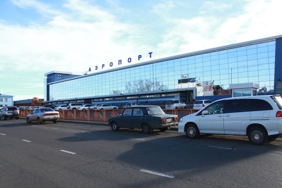 Взлетно-посадочную полосу ремонтируют в аэропорту Иркутска