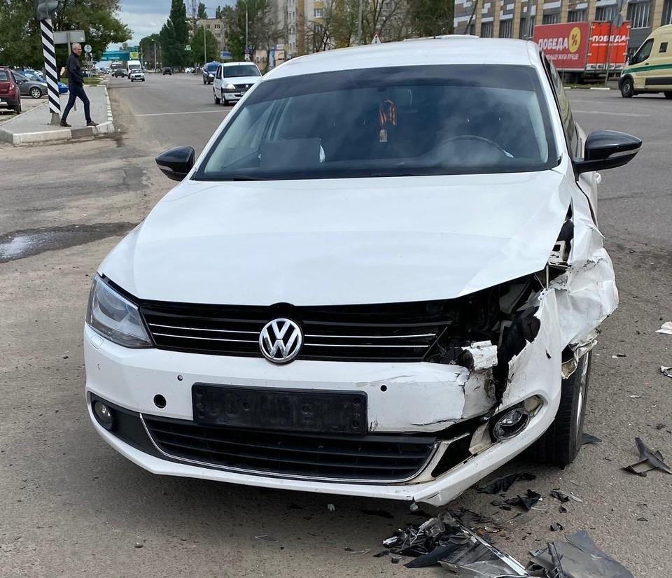 В ДТП получили травмы пассажиры обеих иномарок