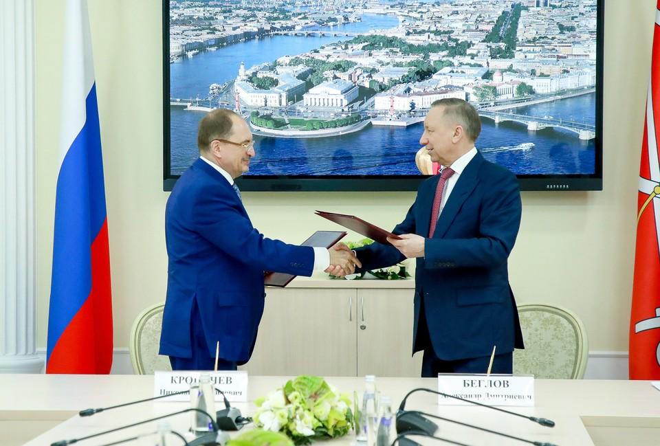 Губернатор Петербурга и ректор СПбГУ подписали соглашение о строительстве инновационного центра в Пушкинском районе. Фото: gov.spb.ru