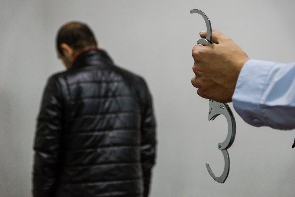 В Самаре мужчина привлек к распространению наркотиков несовершеннолетнюю