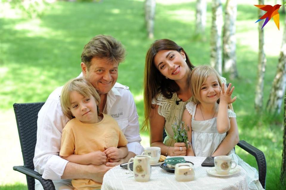 Виктория на месяц приехала из Америки в Беларусь погостить к папе. Фото: Ирена Гудиевская