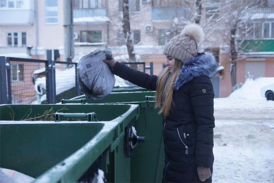 В Тверской области, чтобы сбегать за новой бутылкой спиртного, парни сдали в металлолом контейнер.