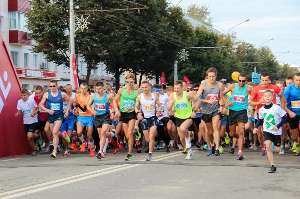 Движение транспорта временно перекроют в центре Смоленска из-за марафона.