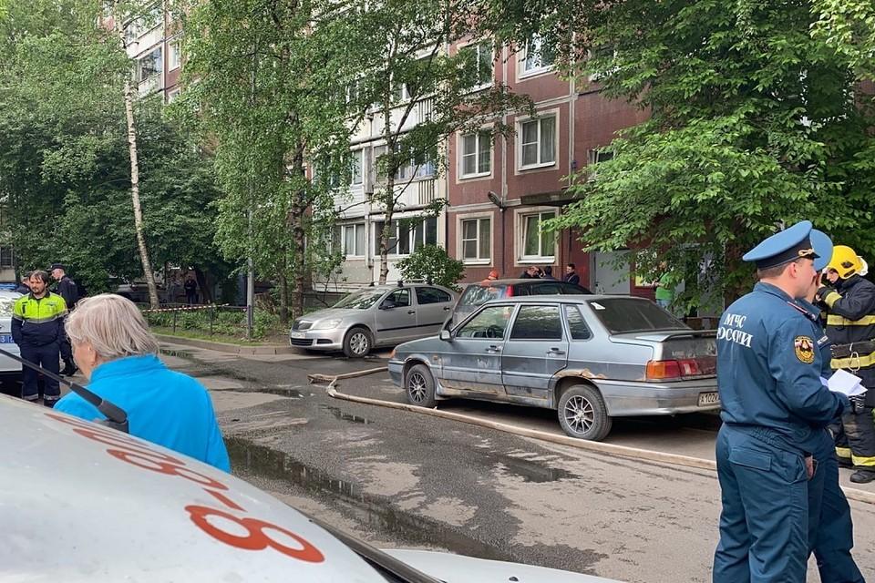 Жителям дома на Энтузиастов начали включать газ после утреннего ЧП. Фото: vk.com/spb_today