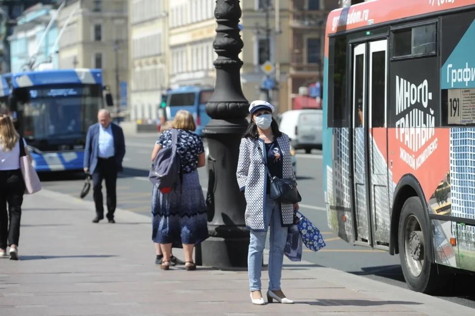 В Петербурге за сутки более 28 тысяч человек сделали тест на коронавирус.