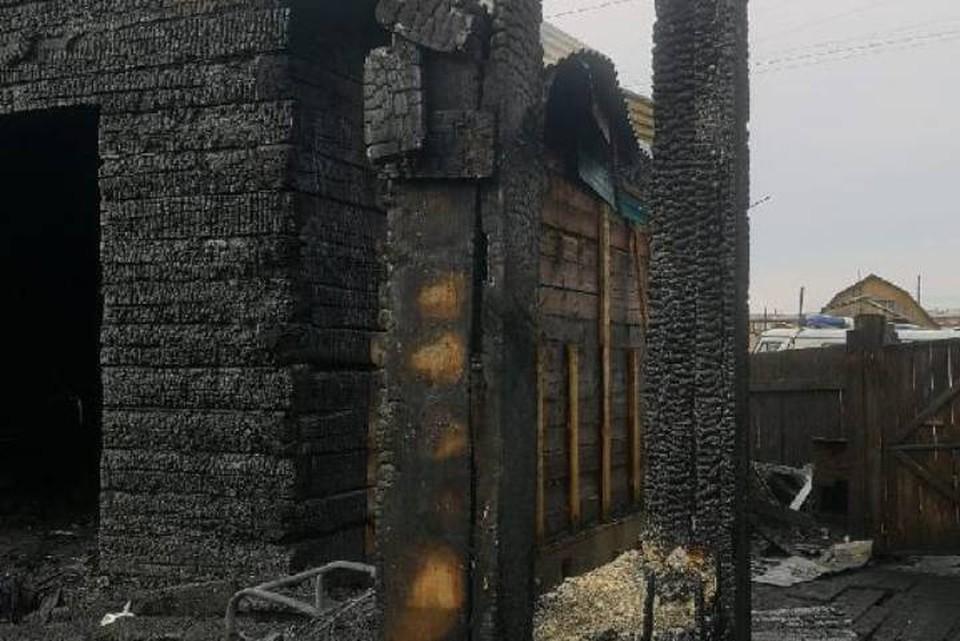 СК о пожаре с тремя погибшими в Тайшете: 24-летний парень пытался спасти своих детей. Фото: прокуратура Иркутской области.