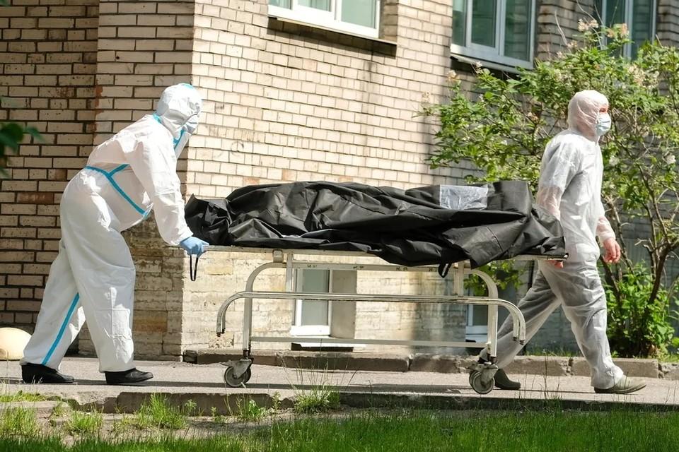 В Петербурге вырос показатель смертности горожан в период с января по март 2021 года.