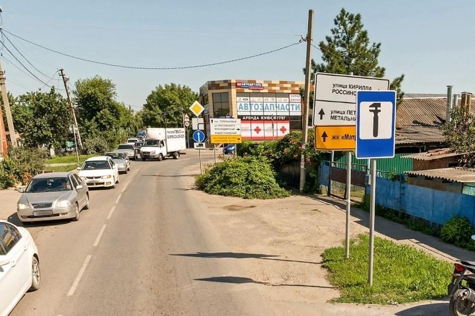 Типичная ситуация на дорогах в переулке Топольковом