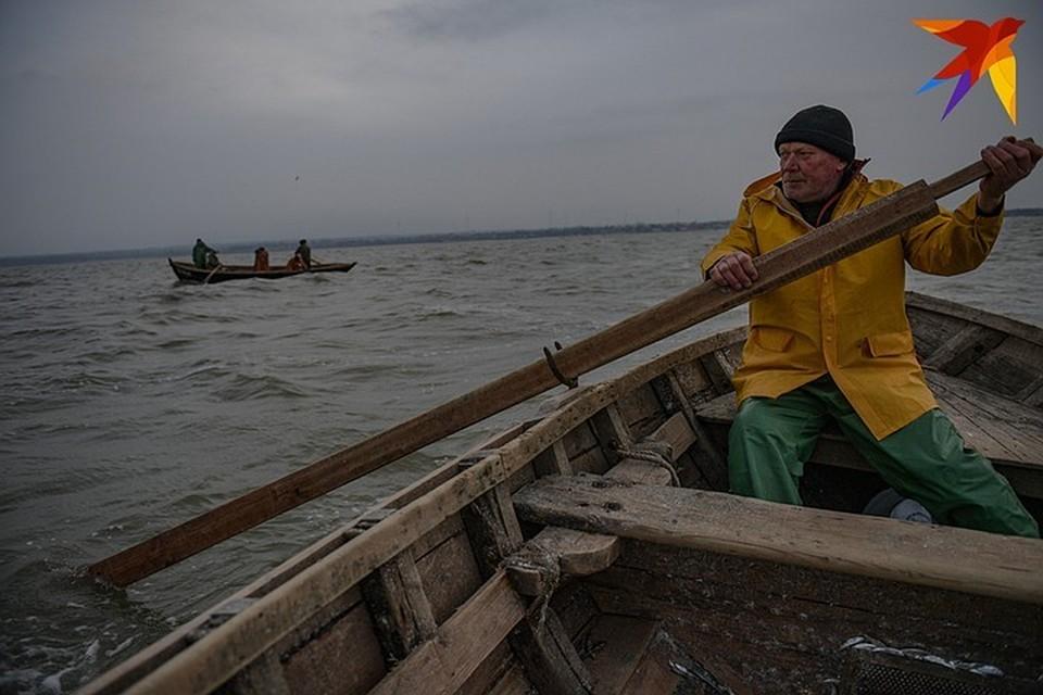 Рыбакам на промысле стоит быть очень осторожными.