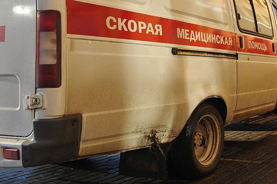 Разбившегося юношу успели привезти в больницу живым, но он вскоре умер в реанимации.
