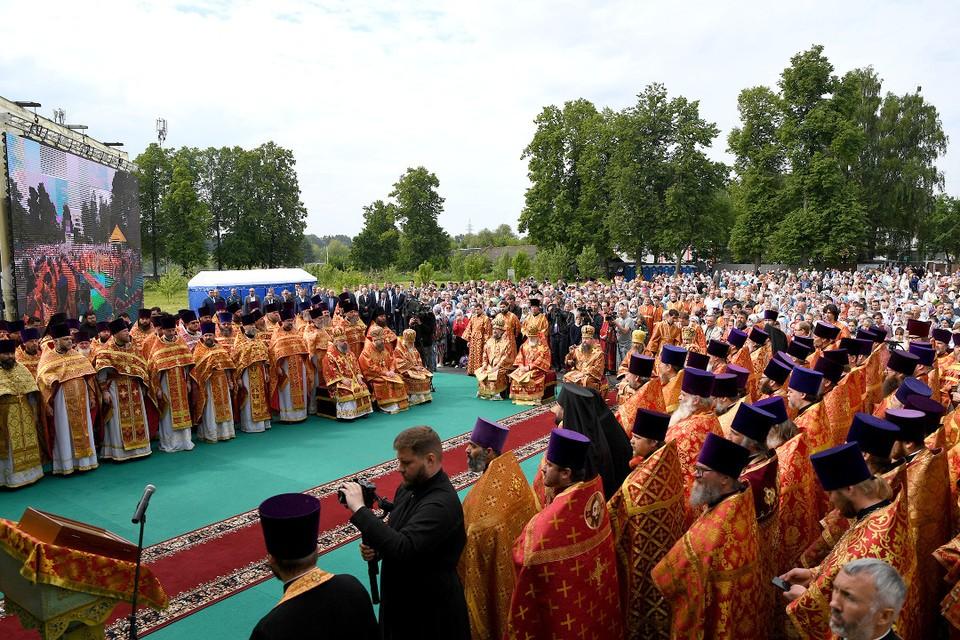 8 июня в Калязине состоялась кульминация праздничных мероприятий в честь 500-летия обретения мощей Макария Калязинского. Фото: ПТО
