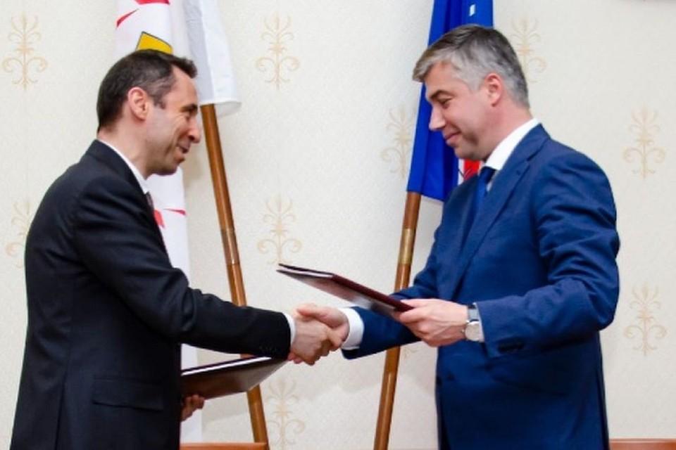 Мэрия Ростова подписала соглашение с мэрией Еревана. Фото: аккаунт Алексея Логвиненко в Инстаграм