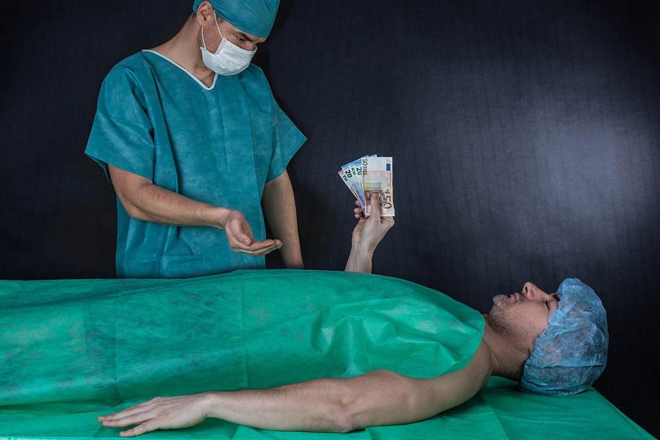 В результате расследования следователи установили, что за последние два года в больнице Лозенец было проведено 14 операций по пересадке почки.
