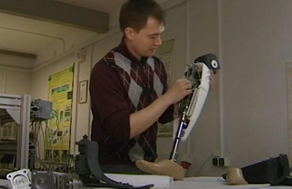 Александр Рыжков: «Этот протез воспринимает окружающую среду». Фото: sevsu.ru