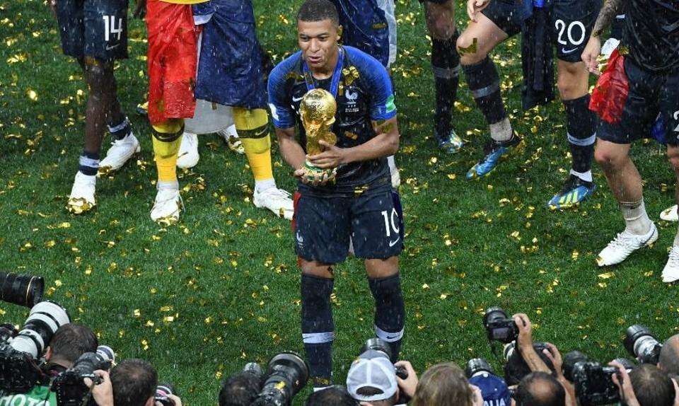 Мбаппе уже выиграл Кубок мира, а вот главной европейской награды у него нет. Фото: Global Look Press