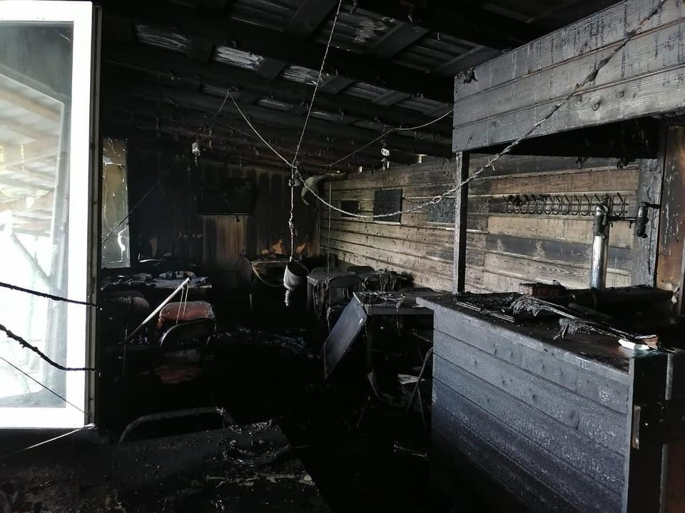 Кафе выгорело на площади 40 кв. м