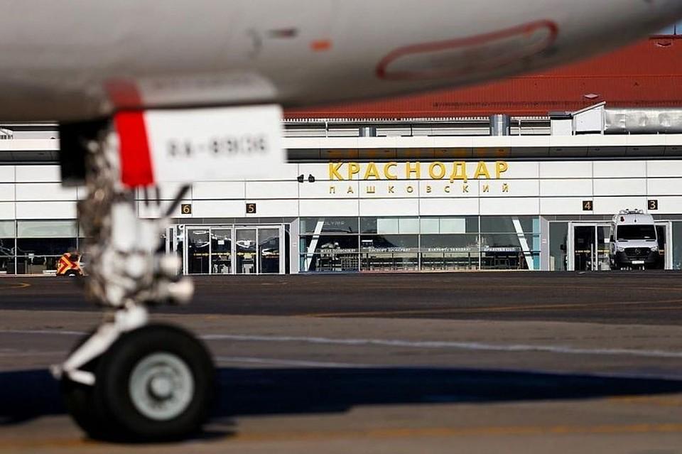 По словам компании-перевозчика, аэропорт принуждал взять на рейс пассажиров без ПЦР-тестов